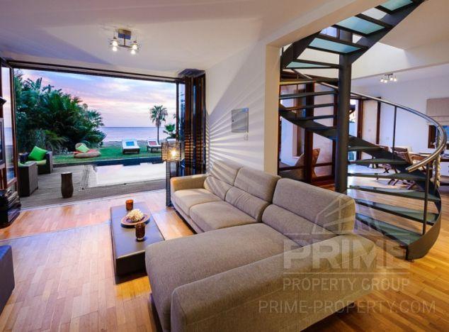 Villa in  (Parklane) for sale