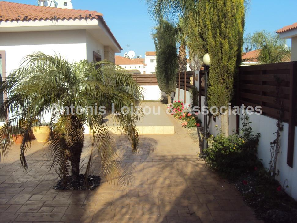 A 2 bedroom bungalow with private pool in Agia Thekla properties for sale in cyprus