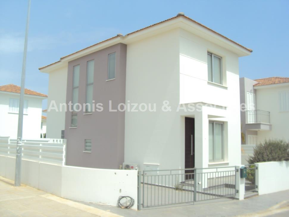 Detached House in Famagusta (Agia Triada) for sale