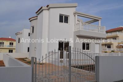 Three Bedroom Detached Houses With Swimming Pool properties for sale in cyprus
