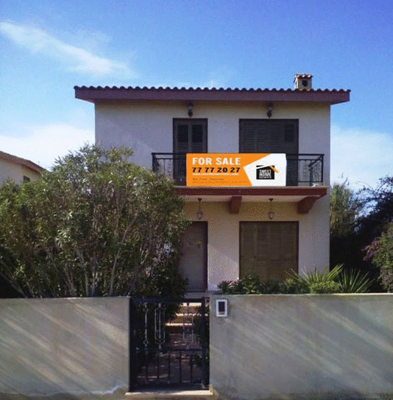 Three Bedroom Villa in Ayia Thekla 100m from the Beach with Titl