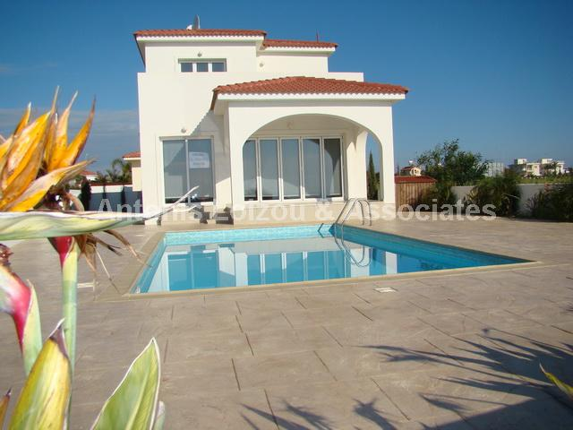 Detached Villa in Famagusta (Ayia Thekla) for sale