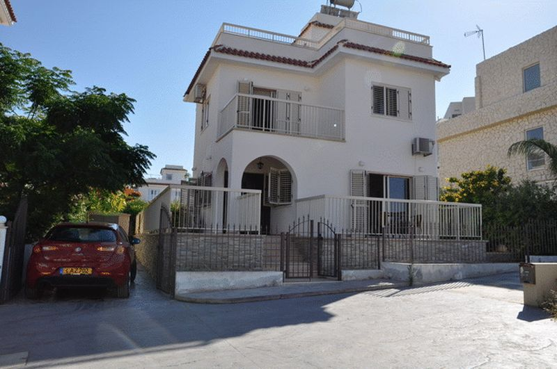 House in Famagusta (Ayia Triada) for sale