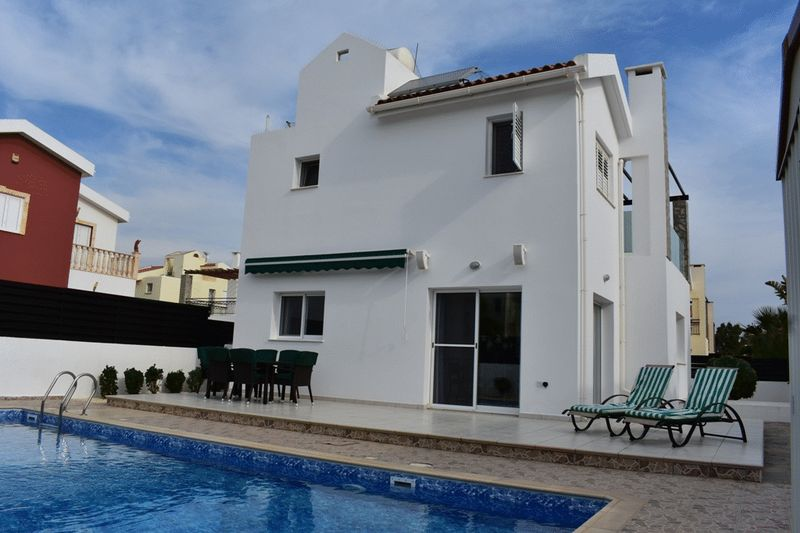 Detached 3 Bedroom Villa with Private Pool in Ayia Triada properties for sale in cyprus