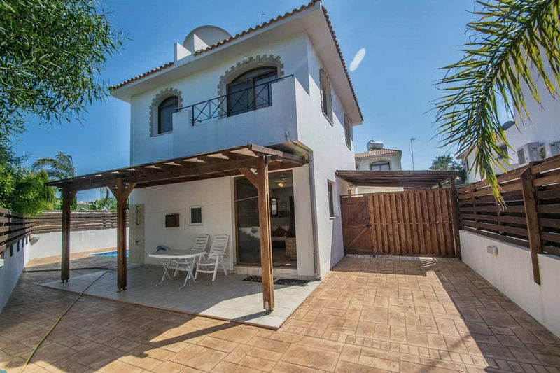 Detached 3 Bedroom house with Private Pool in Cape Greco