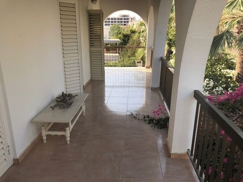 Detached 4 Bedroom Villa with Big Plot in Konnos Area properties for sale in cyprus