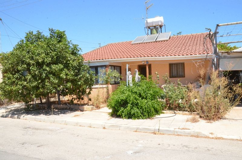 Bungalow for Sale in Deryneia properties for sale in cyprus