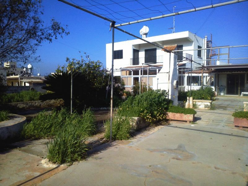 Three Bedroom Villa in Dherynia with Separate Apartment and Large Plot properties for sale in cyprus