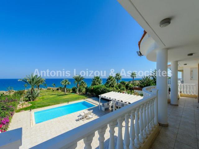 Luxurious Five Bedroom Beach Front Villa