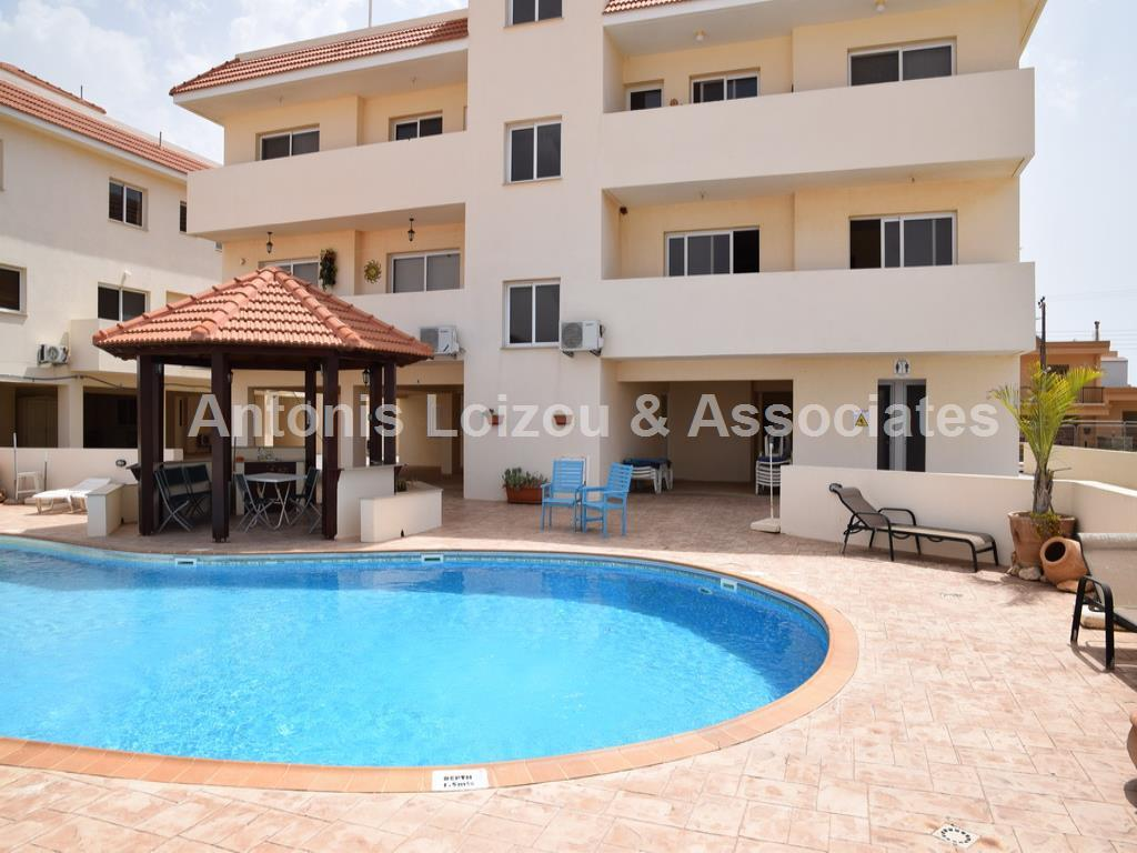 Two Bedroom Apartment with Communal Pool in Liopetri