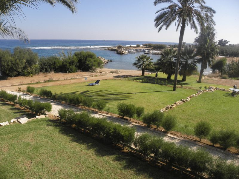 3 Bedroom beach front Apartment properties for sale in cyprus