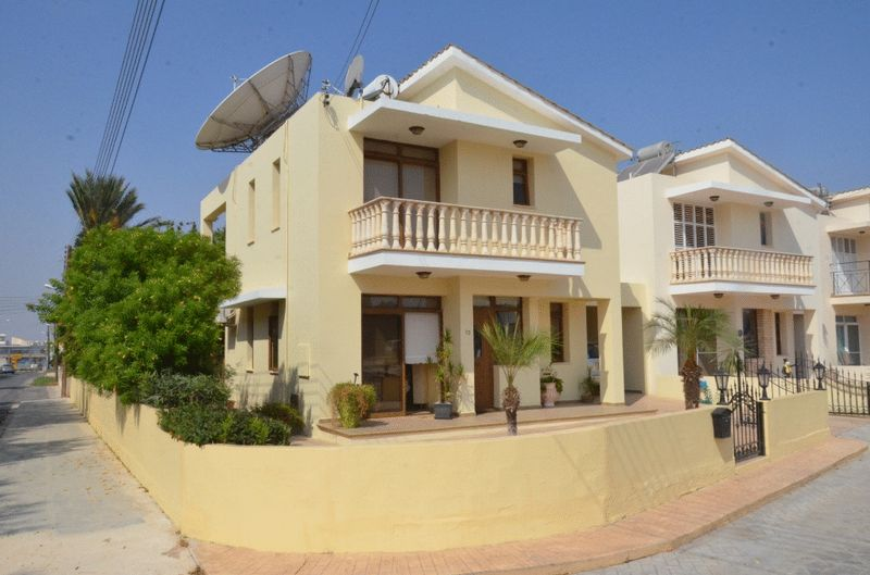 Detached 4 Bedroom Link-Detached House in Paralimni properties for sale in cyprus