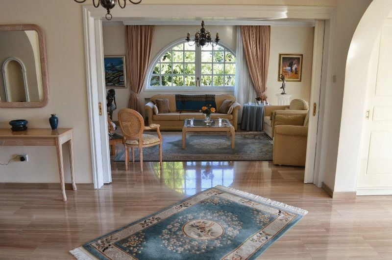 Luxury Villa for sale with Large Garden in Paralimni properties for sale in cyprus