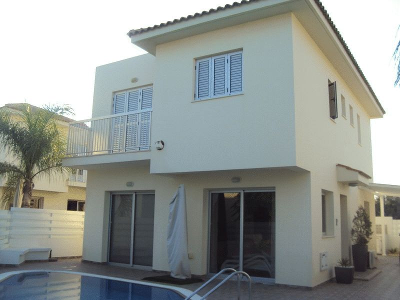 Superb 3 Bedroom Villa Within Walking Distance to Kalamies Beach properties for sale in cyprus