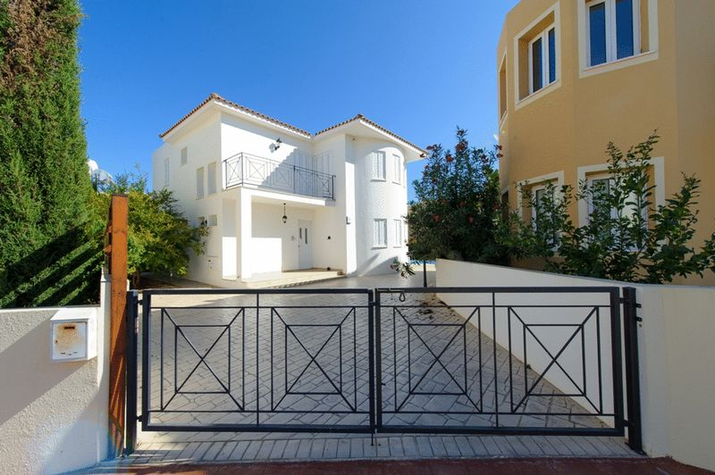 Lovely 3 Bedroom Detached House within Walking Distance to Kalamies Beach properties for sale in cyprus