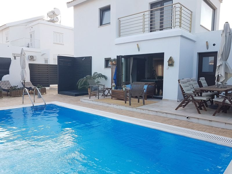 Superb 2 Bedroom House with Private Pool in Pernera properties for sale in cyprus