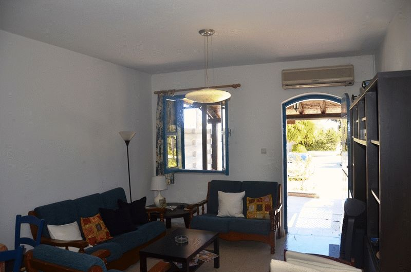 2 Bedroom Ground Floor Apartment in Saint Elias properties for sale in cyprus