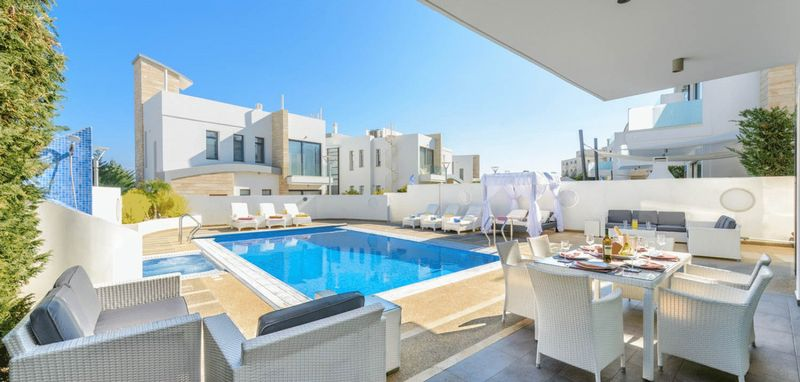 Superb 5 Bedroom Villa in a Private Complex in Protaras properties for sale in cyprus