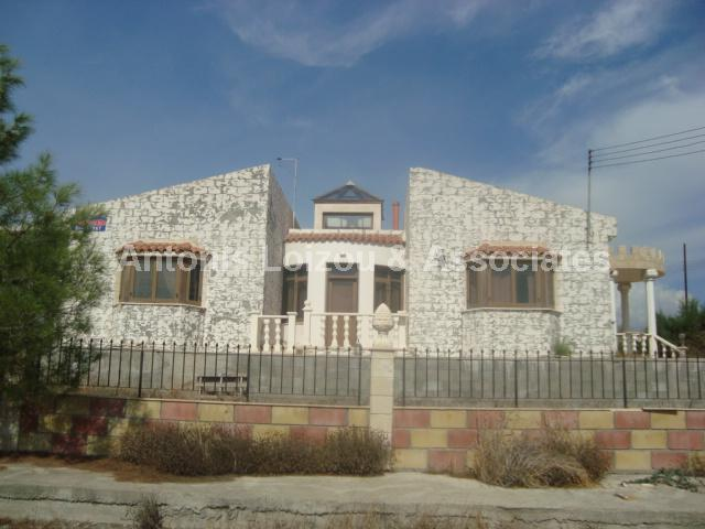 Bungalow in Larnaca (Agios Theodoros) for sale