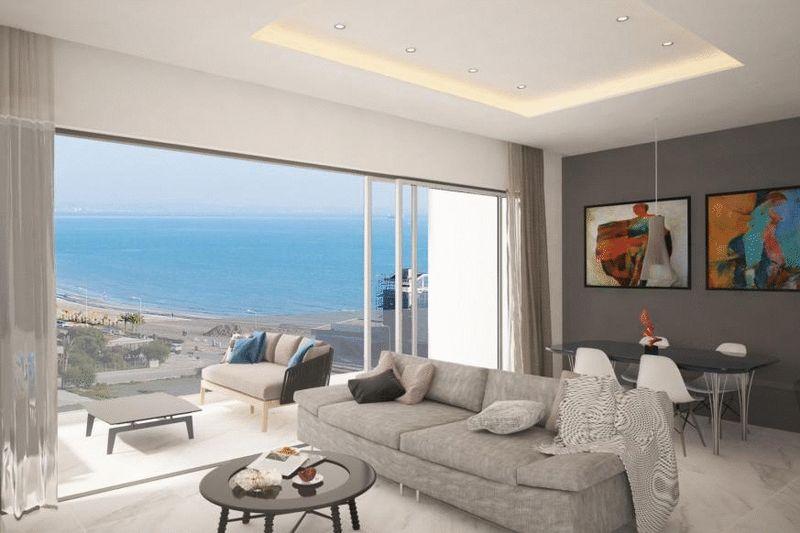 Luxury 2 Bedroom Apartment with Sea View, Mackenzie, Larnaca