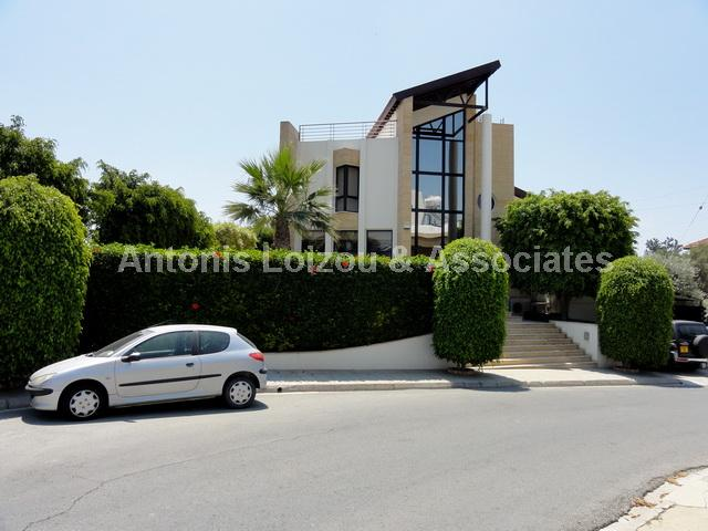 Detached House in Larnaca (Kamares) for sale