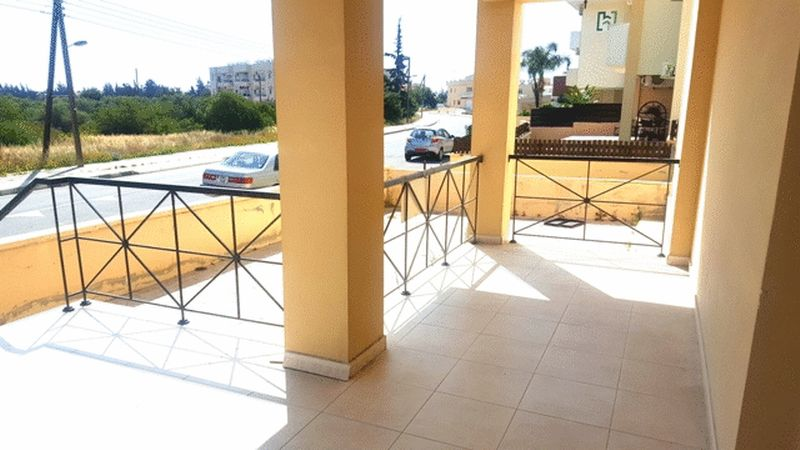 Large Modern 3 Bedroom Ground Floor Apartment with Title Deeds properties for sale in cyprus