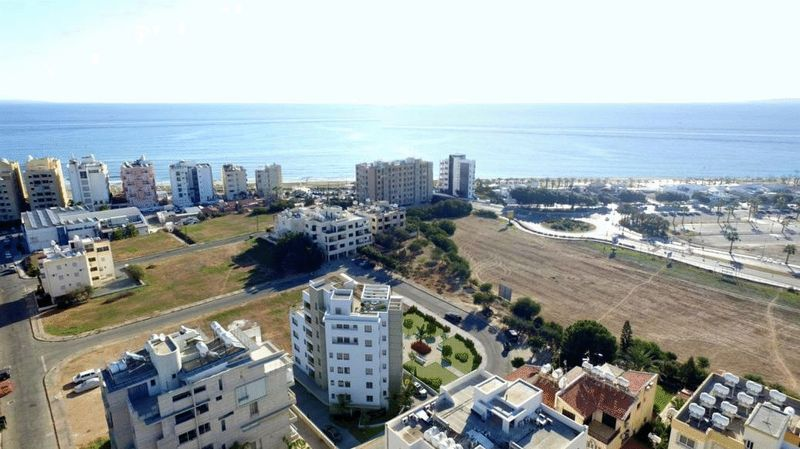 LUXURY 3 BEDROOM FIRST FLOOR APARTMENT, MAKENZY properties for sale in cyprus