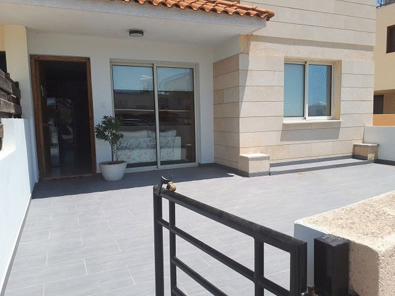 Modern 2 Bedroom Ground Floor Apartment, near Debenhams, Larnaca properties for sale in cyprus