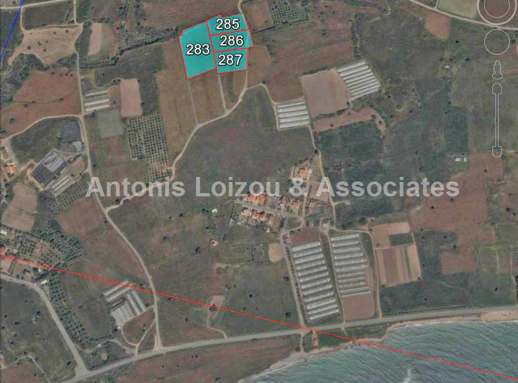 Field in Larnaca (Maroni) for sale