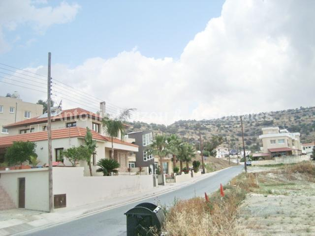 Two Bedroom Ground Floor Apartment with Title Deeds-Reduced properties for sale in cyprus