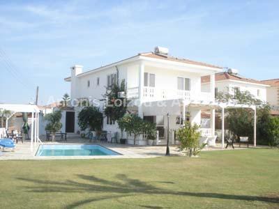 Villa in Larnaca (Softades) for sale