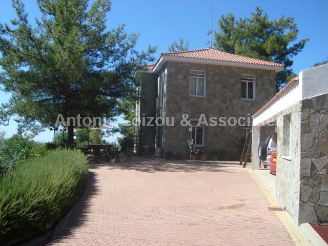 Three Bedroom Picturesque Hillside Villa