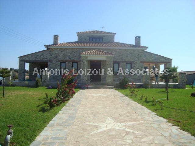 Detached House in Larnaca (Agios Theodoros) for sale