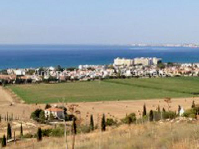 Field in Larnaca (Pyla) for sale