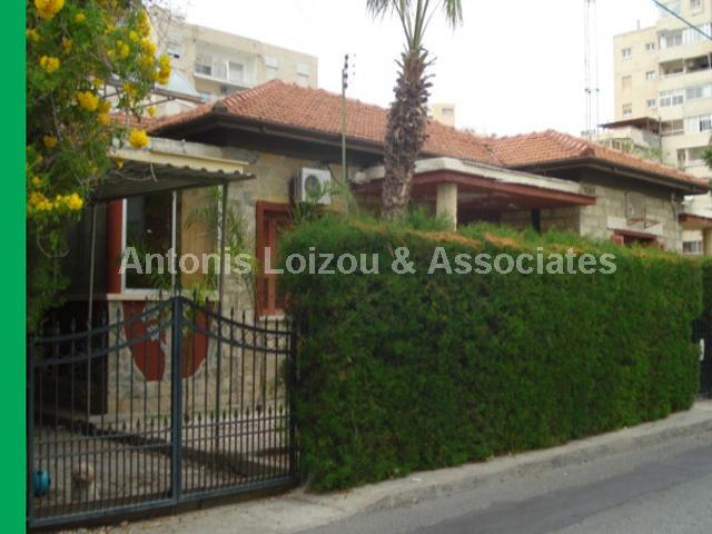 Detached Bungalo in Limassol (Agia Zoni) for sale
