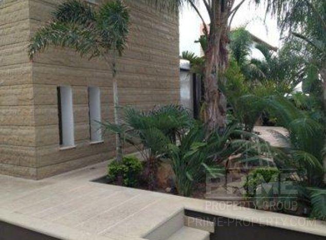 Villa in Limassol (Agios Athanasios) for sale