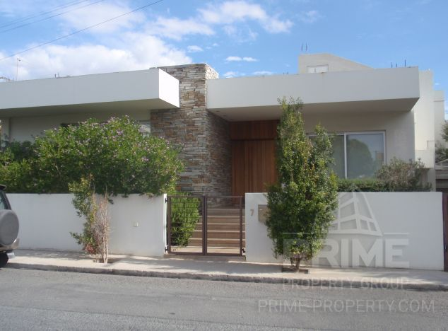 Villa in Limassol (Agios Nikolaos) for sale
