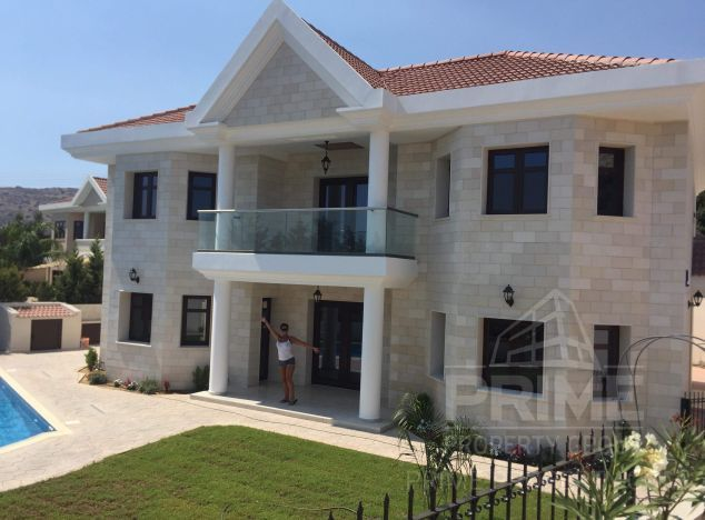 Villa in Limassol (Agios Tychonas) for sale