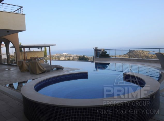 Sale of villa, 550 sq.m. in area: Agios Tychonas - properties for sale in cyprus