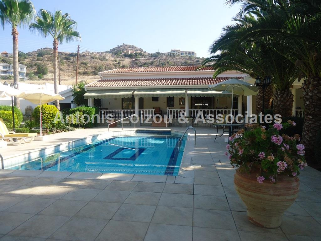 Bungalow in Limassol (Akrounta) for sale
