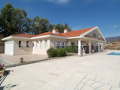 Detached Villa in Limassol (Akrounta) for sale