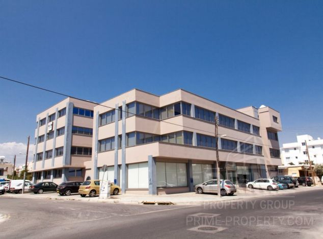 Sale of building, 3,571 sq.m. in area: City centre - properties for sale in cyprus