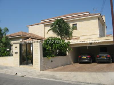 Detached Villa in Limassol (Columbia) for sale
