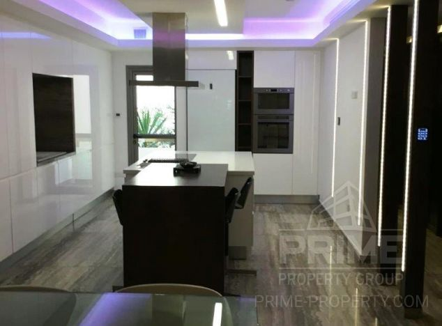 Sale of аpartment, 175 sq.m. in area: Crown Plaza - properties for sale in cyprus