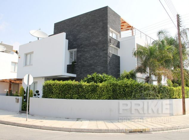 Sale of villa, 300 sq.m. in area: Crown Plaza - properties for sale in cyprus