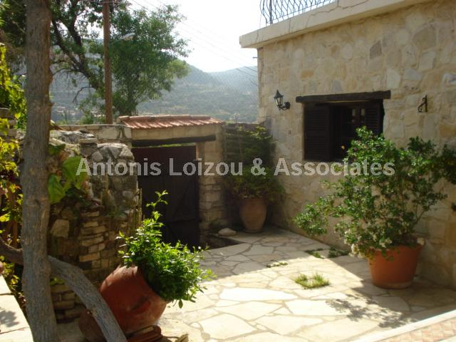 Traditional Hous in Limassol (Dhoros) for sale