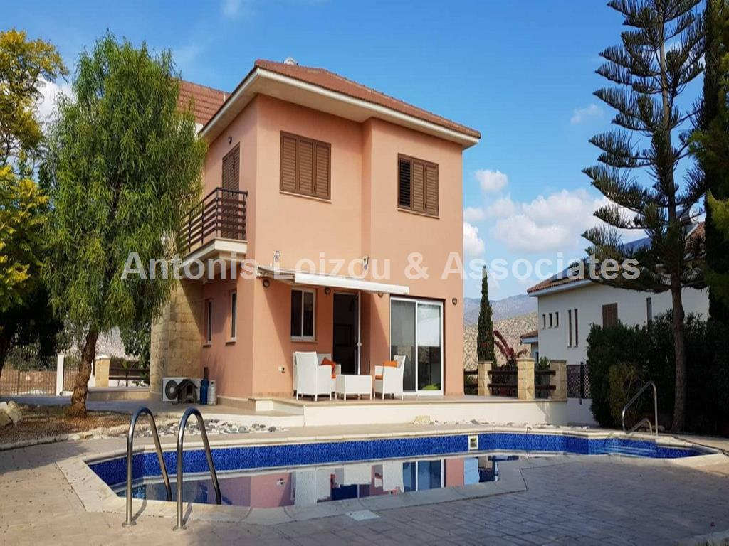 Detached House in Limassol (Foinikaria) for sale