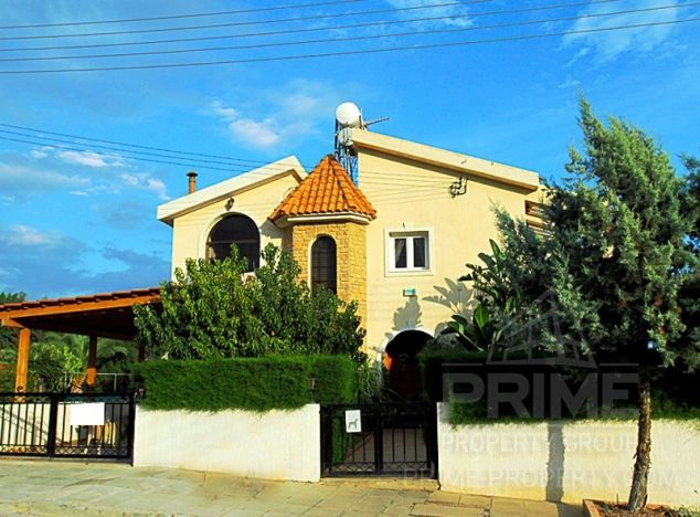 Villa in Limassol (Germasogeia Village) for sale