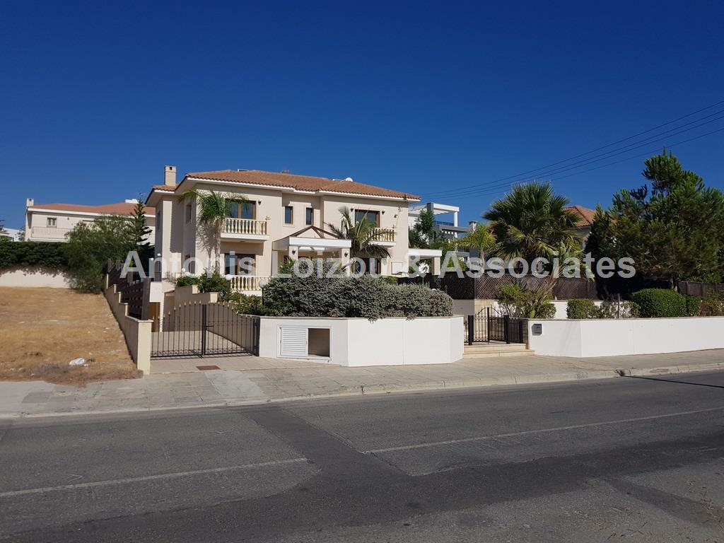 5 Bedroom Villa in Kalogyroi properties for sale in cyprus