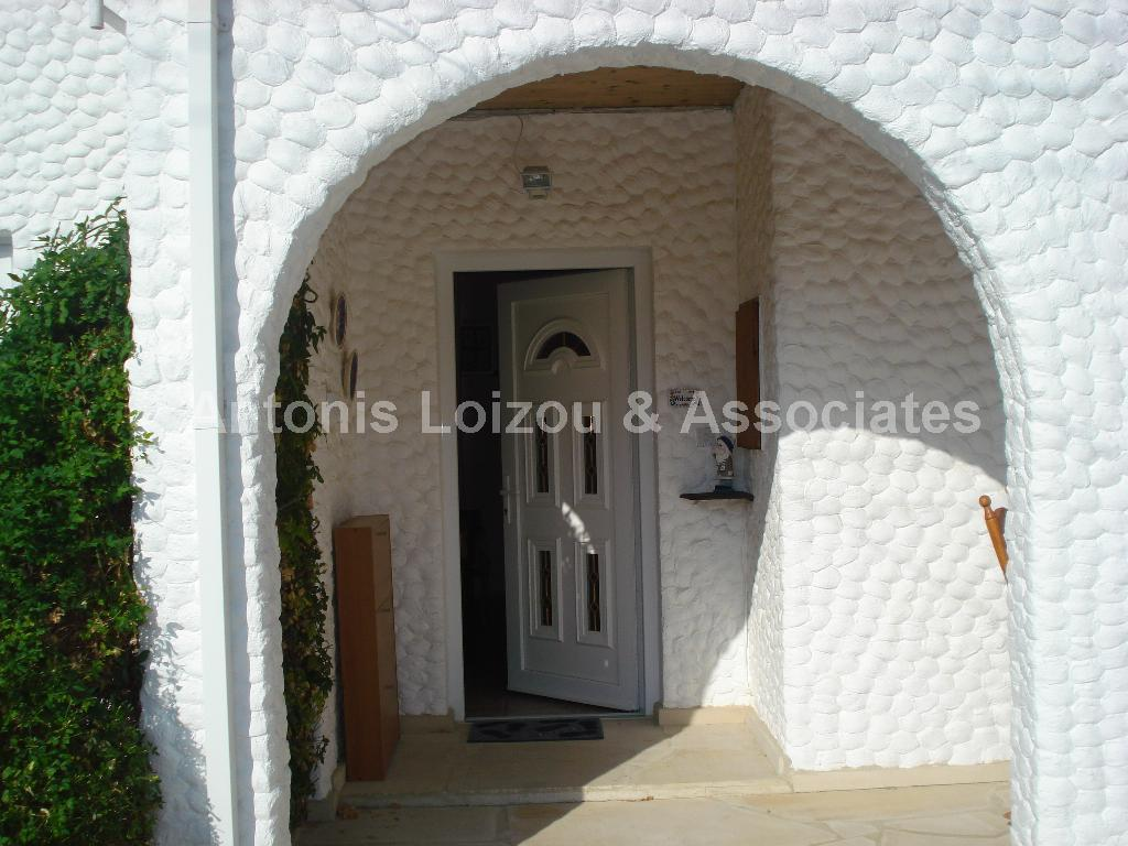 Detached Bungalo in Limassol (Lania) for sale